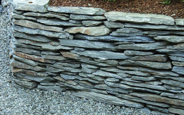 Schiefer-Schichtmauerwerk 2-6 cm